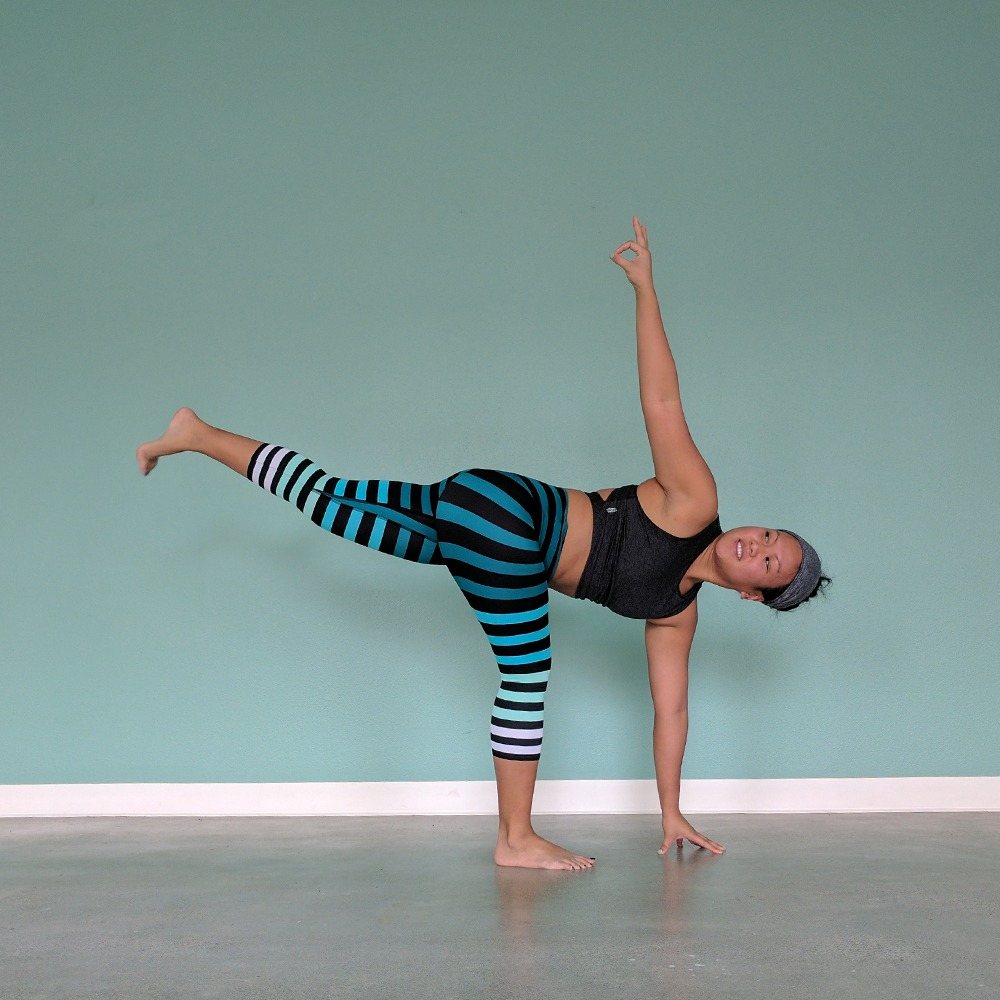 k-deer caroline stripe leggings yoga poses schimiggy_0006_IMG_20170308_131142