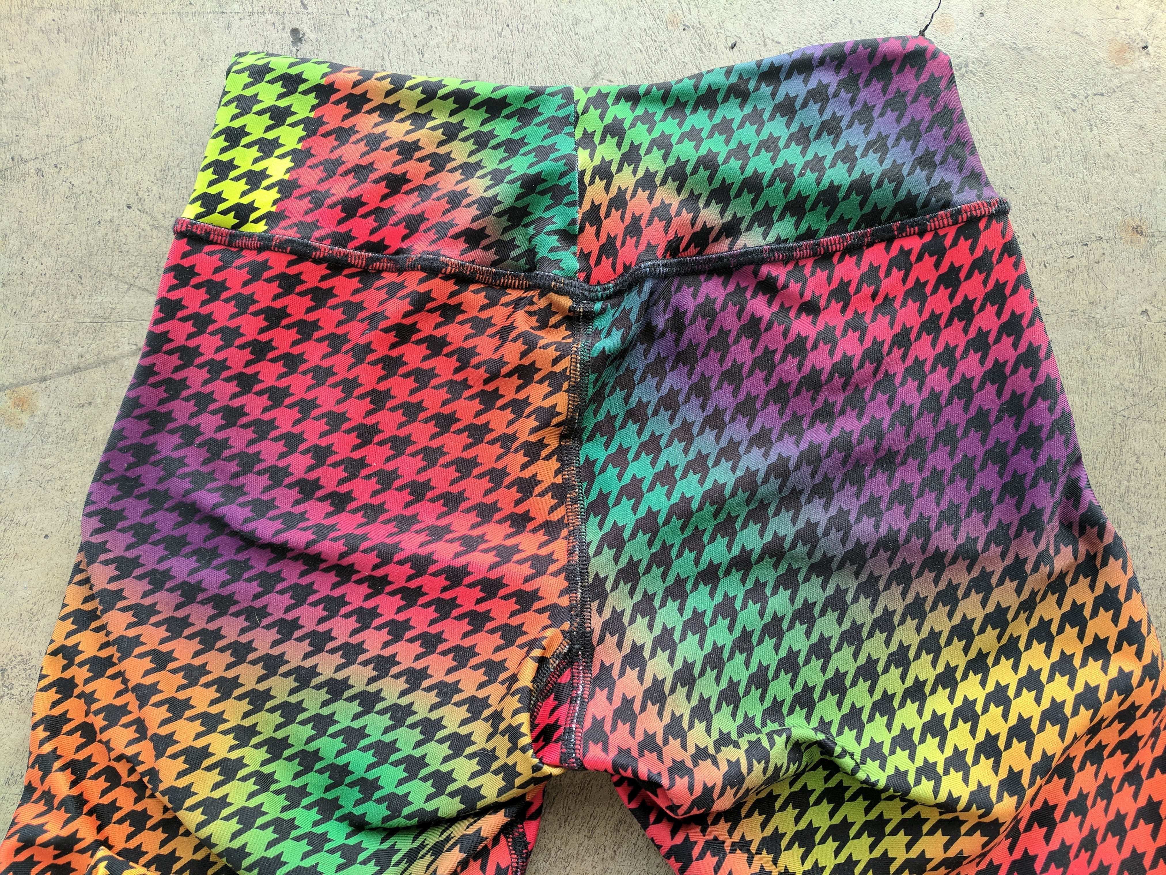 body angel activewear rainbow houndstooth waistband back