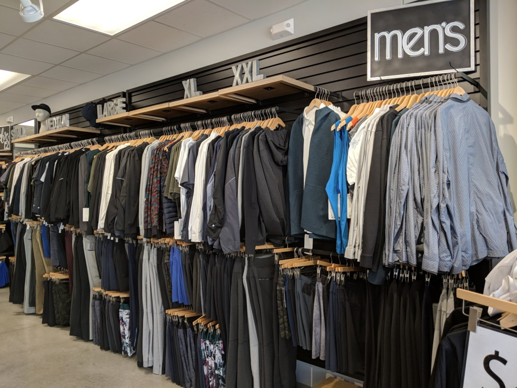 lululemon outlet men's apparel display
