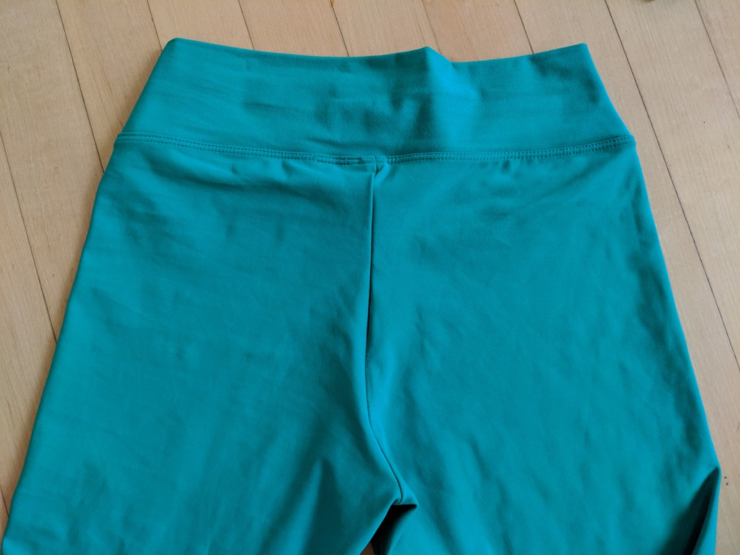 liquido review oasis green leggings waistband back