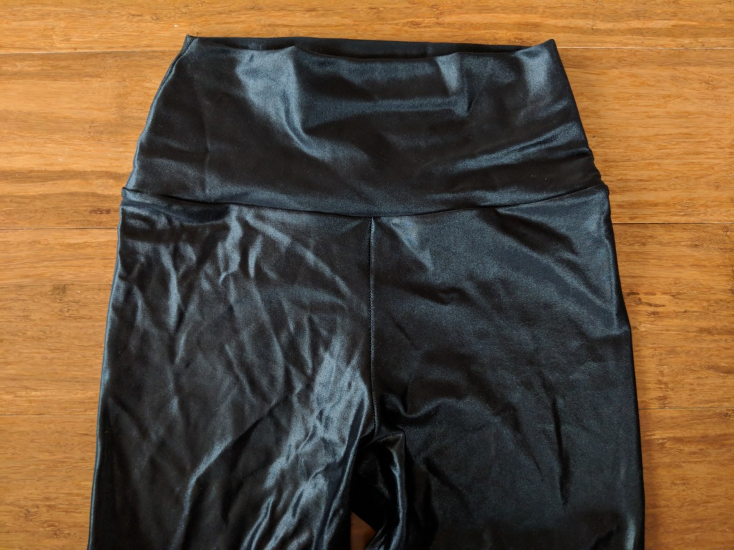 Forlegs review high waist shiny leggings waistband front