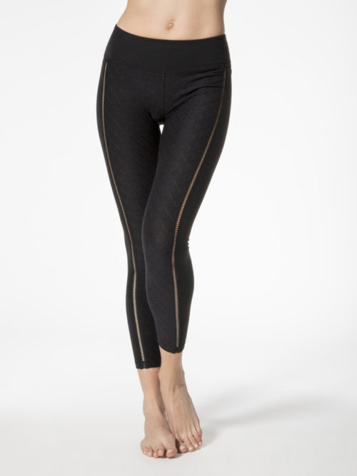 beyond yoga never qulit it leggings front