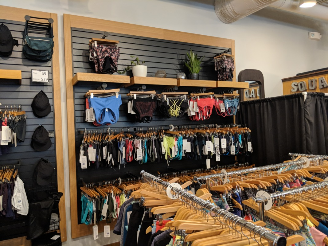 lululemon Outlet Orlando Florida womens sports bra wall