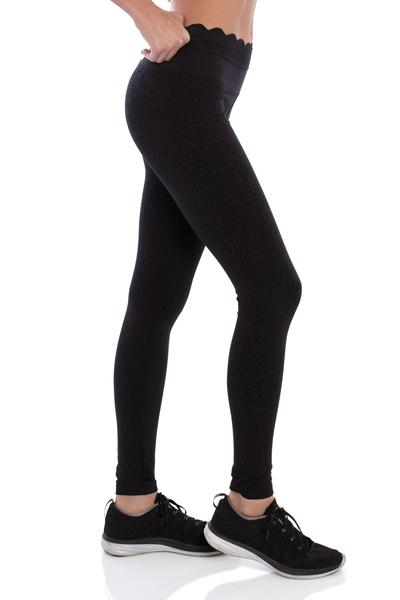 track bliss into the moonlight scallop legging side