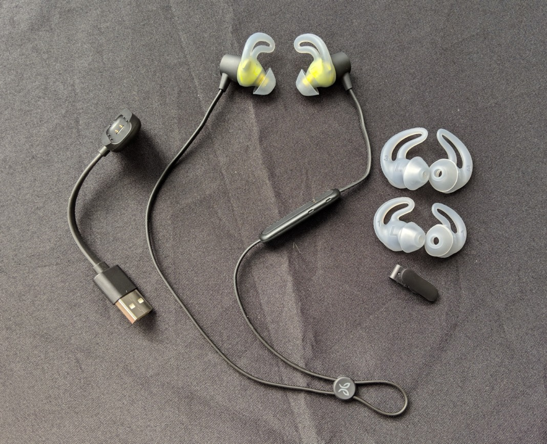 Jaybird Tarah Wireless Earphones Review - What's int he box?