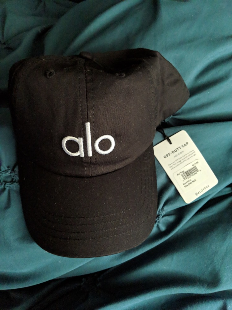alo yoga off duty baseball cap hat black white embroidered