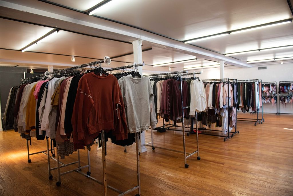 carbon38 sample sale 2019 clothing racks