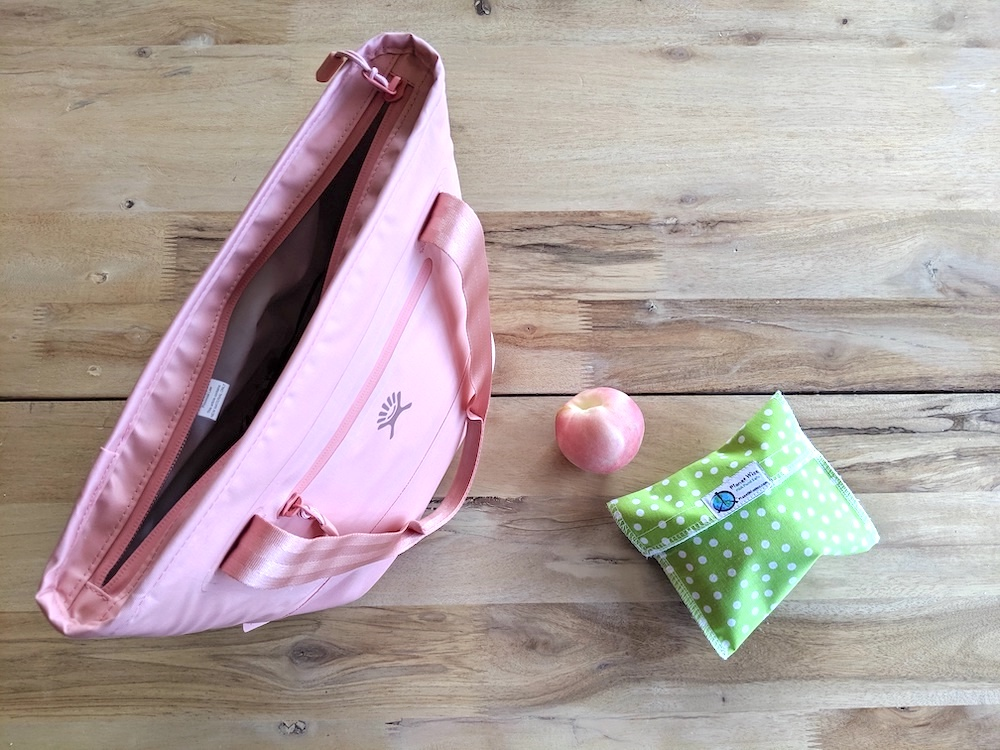 top of hydro flask insulated lunch tote 8L grapefruit pink