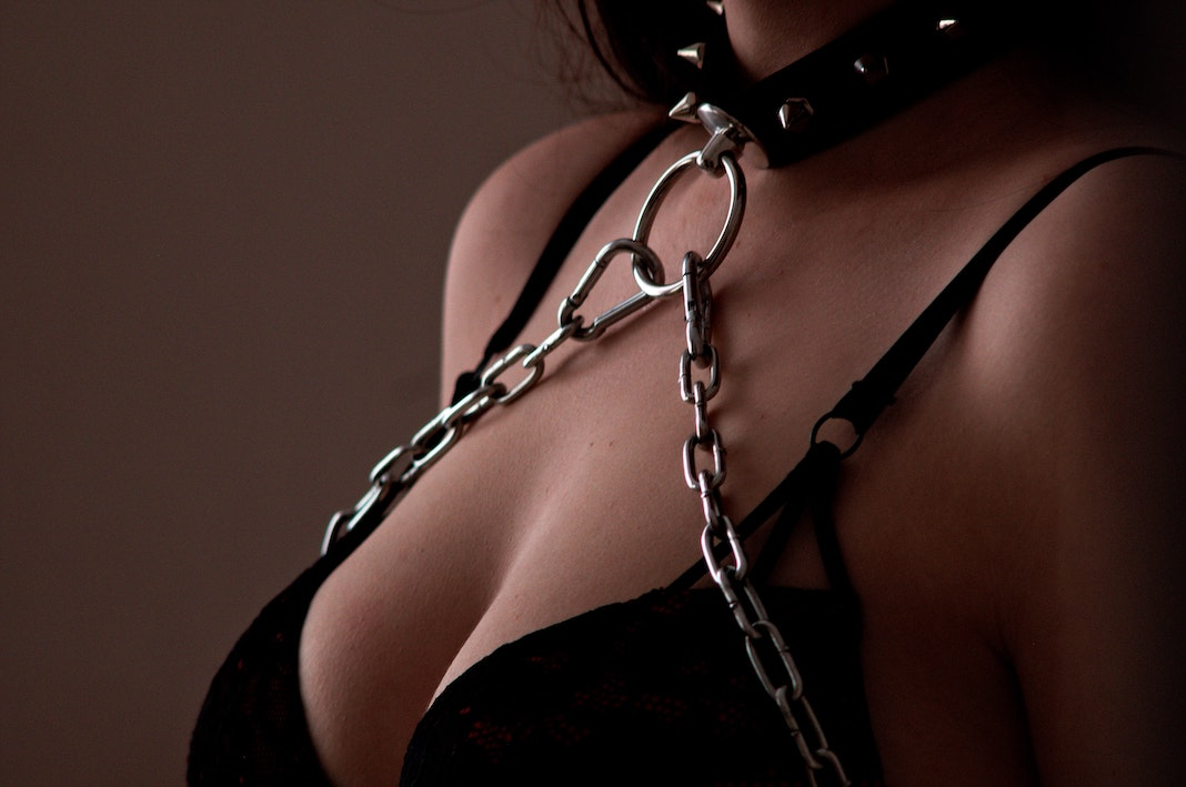 kinky sex toys to try with your partner chain choker leash