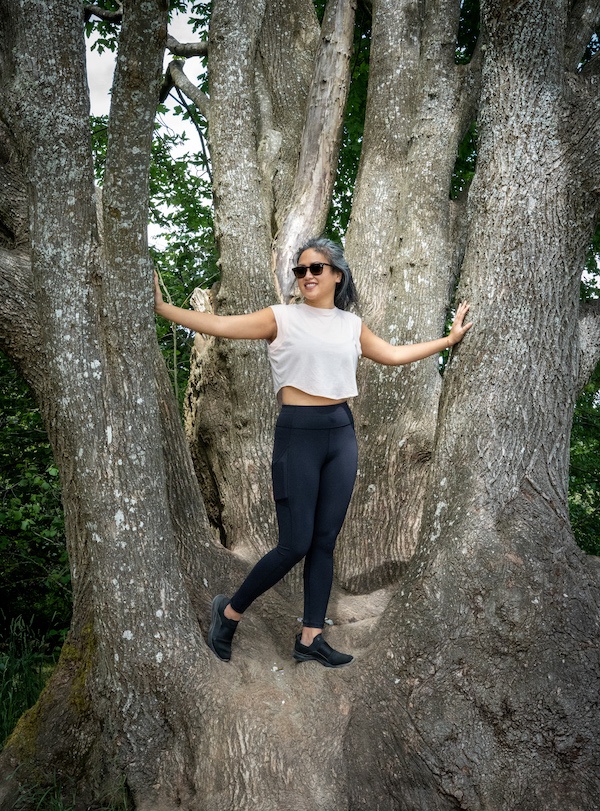 lululemon invigorate tights review standing in tree