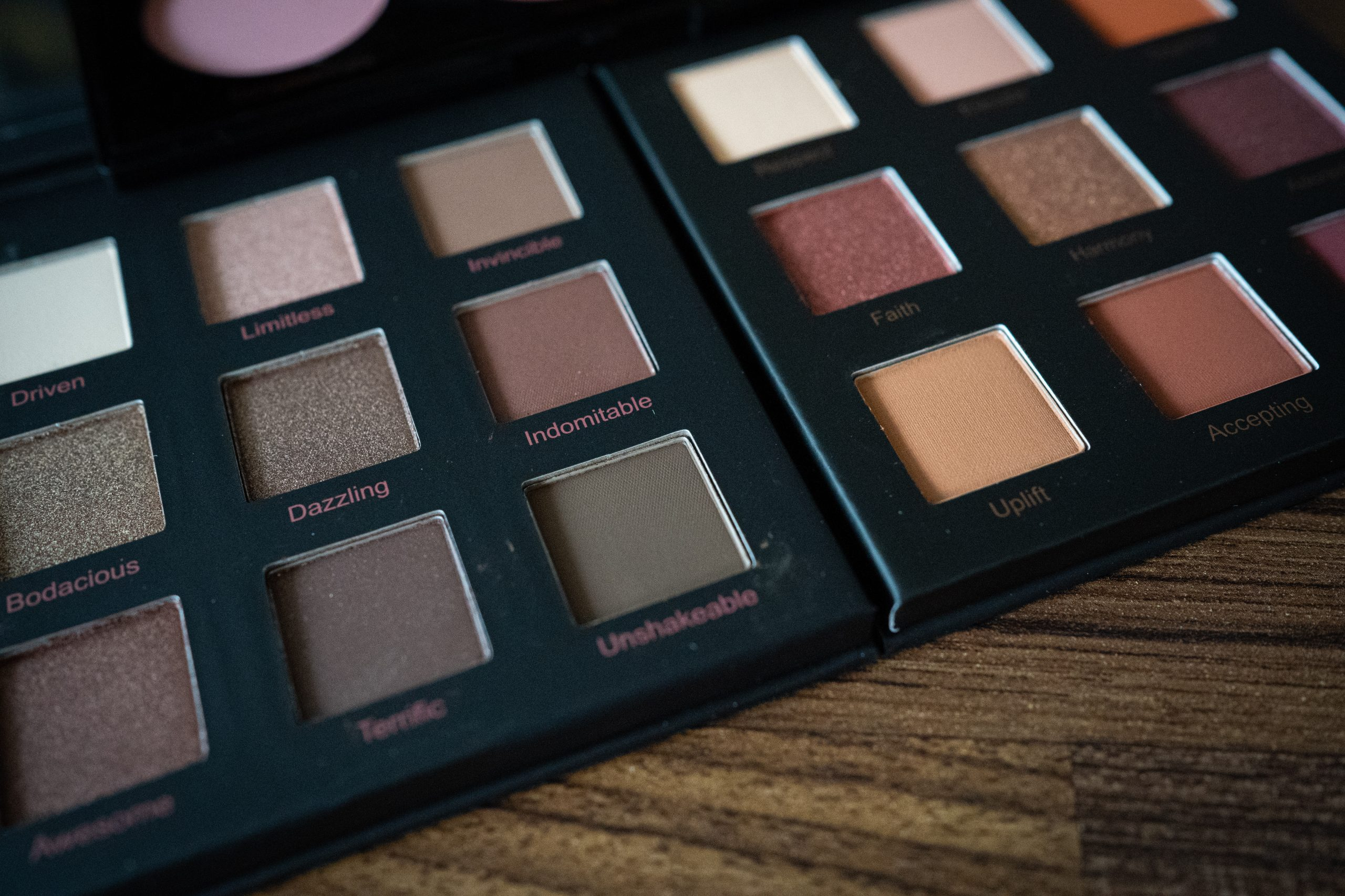 realher makeup review eye shadow palette