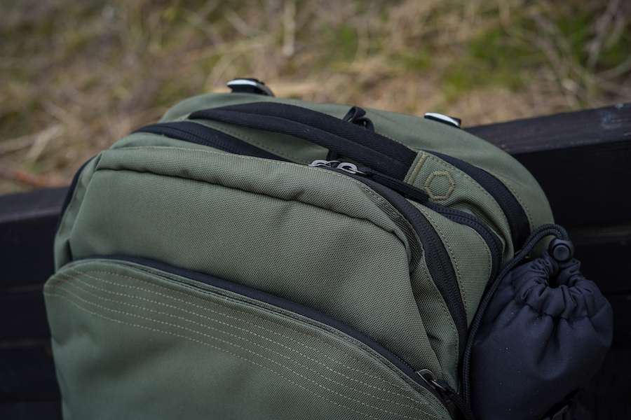 PAKT Backpack Review top zipper and handle