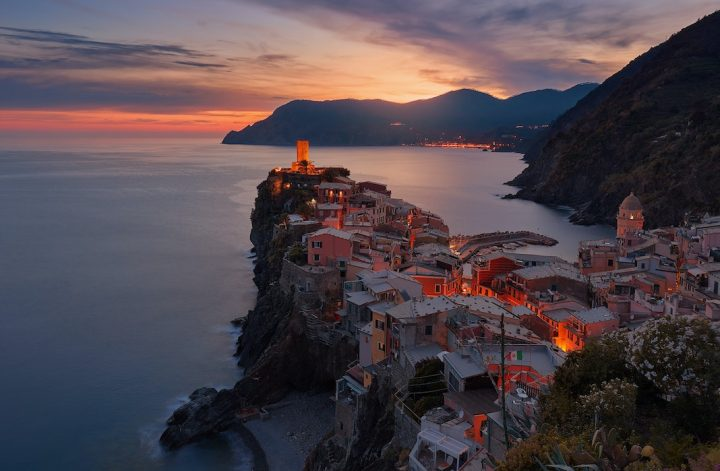 vernazza italy sunset over the city