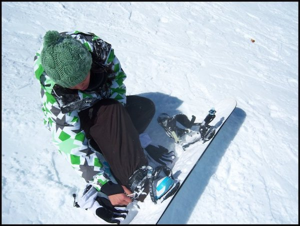 Snowboarding Outfit and Gear Nikita Schimiggy