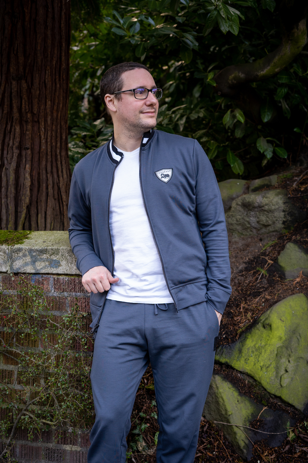 Leorever Review Mens Activewear larry mancinelli leaning